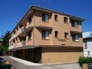View profile: Very large second floor unit, balconies and lock up garage